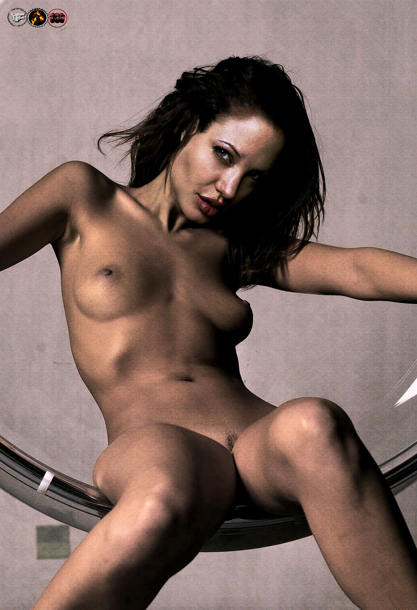 Goes! Prompt, Angelina jolie topless gia
