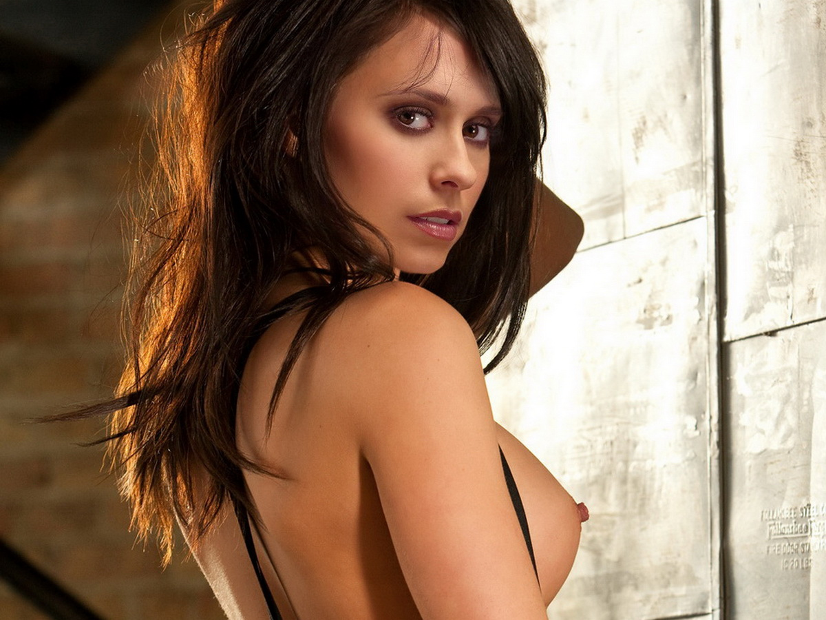 Jennifer Love Hewitt Thinks Her Boobs Are Worth Million