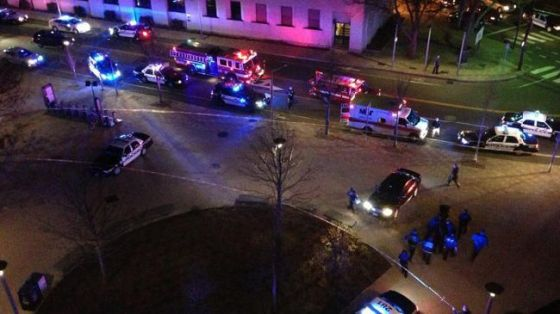 Boston police respond to a shooting at the MIT campus in Cambridge, Massachusetts on April 19, 2013. (File photo)