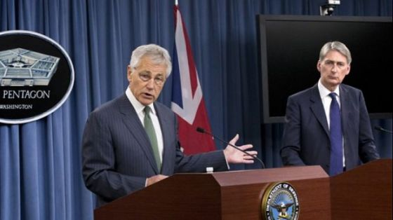 US Defense Secretary Chuck Hagel (L) and British Defense Secretary Philip Hammond hold a joint news conference at the Pentagon in Washington on May 2, 2013.