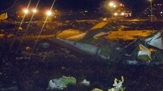 50 dead as passenger jet crashes in central Russia