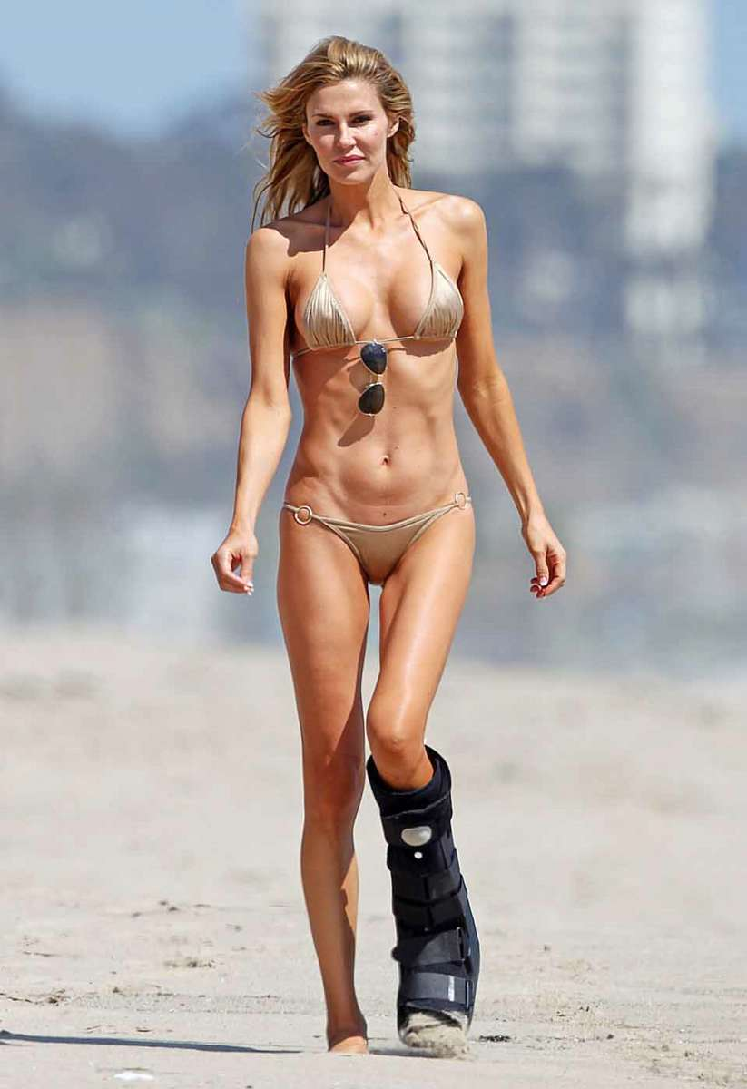 hot naked skinny girls with tight asss and pussys